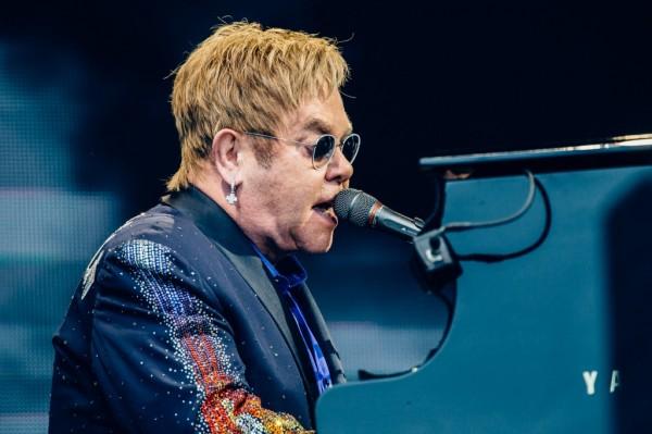 Sir Elton John & His Band e James Taylor & His All-Star Band em Curitiba
