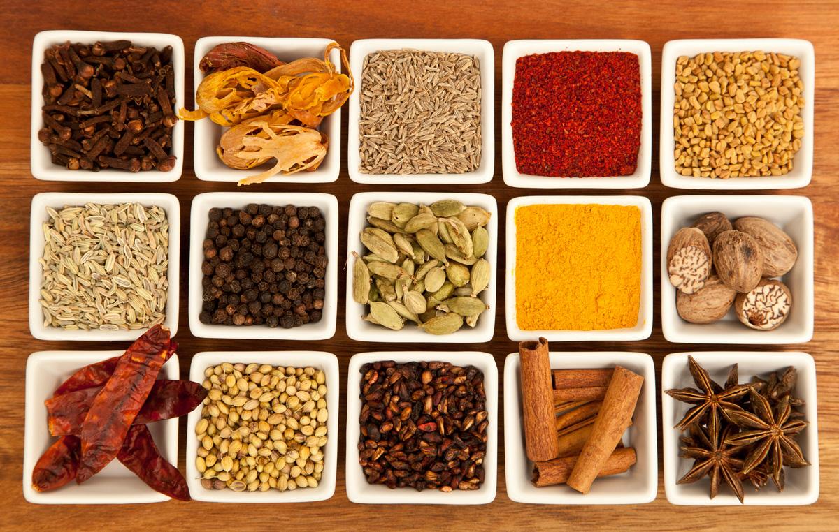 Oficina gastronômica sobre comida indiana