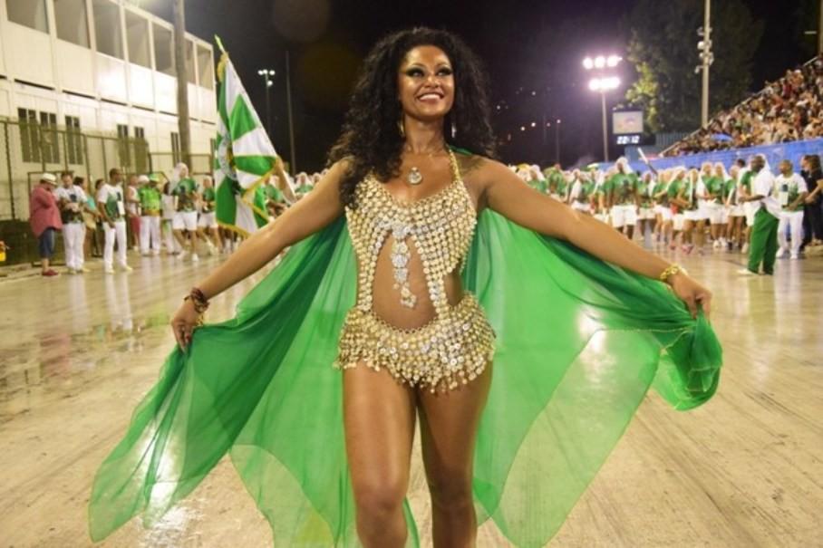 Muito samba com Camila Silva