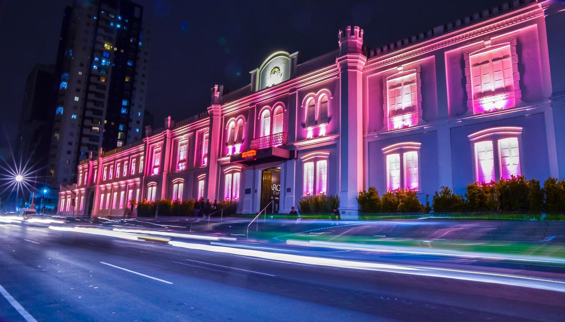 Shopping Curitiba está rosa