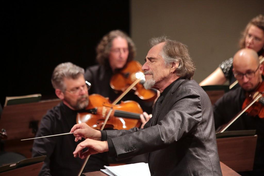 Obras de Bach e Villa-Lobos