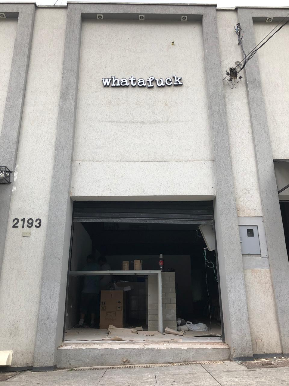 Terceira loja WhataFuck