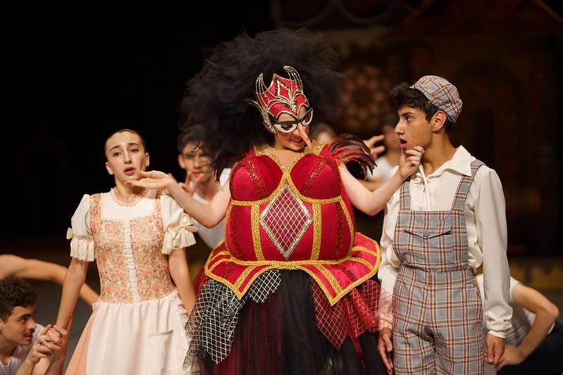 Espetáculo de final do ano da Escola de Dança Teatro Guaíra